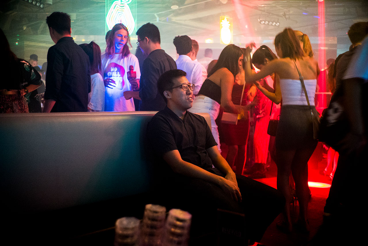The Most Awkward Guy in Singapore Goes Clubbing