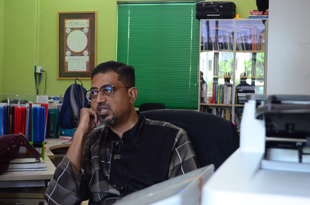 Is Singapore's Muslim Community At Risk of Becoming Insular? SimplyIslam's CEO Says, Yes